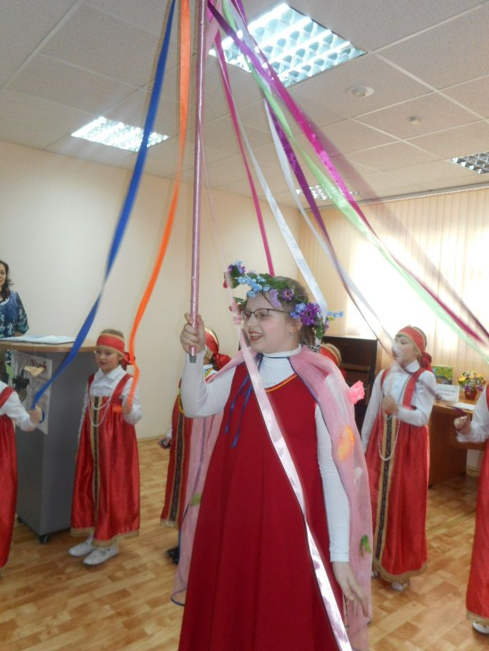 Весенние песни- заклички нашли отражение в театрализованном представлении «Птичья радуга» фольклорного ансамбля «Лучинушка»