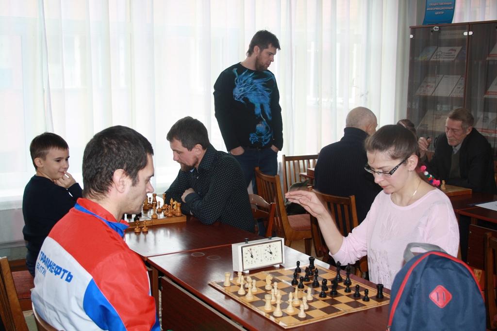 Игровая встреча любителей шахмат