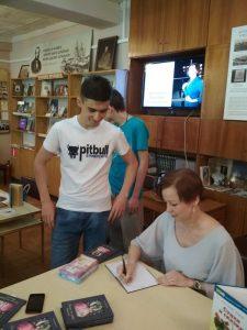«Залетел мне в душу светлячок», встреча с поэтом Вероникой Щелкачёвой