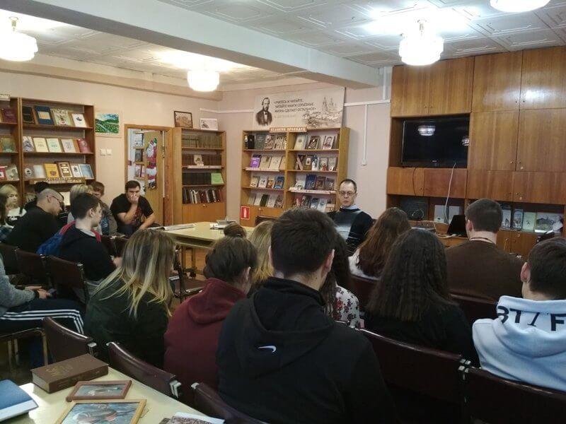 «Зачитано до дыр», литературная встреча с Анатолием Кононцом